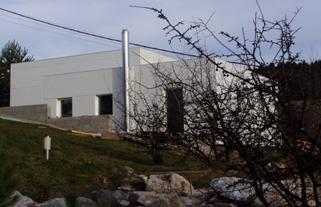 Obr. 1. Experimentálna stavba s novou technológiu výstavby – lepením PUR panelu